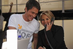 "Katie Couric, host of the ""digital lounge"" at this year's show, with Rob Lowe during the 2010 SU2C Telecast."