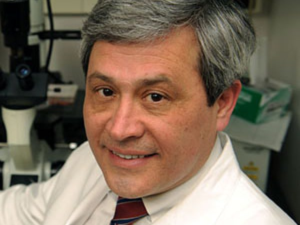 AACR Past-president Carlos Arteaga to Receive Prestigious Medical Award